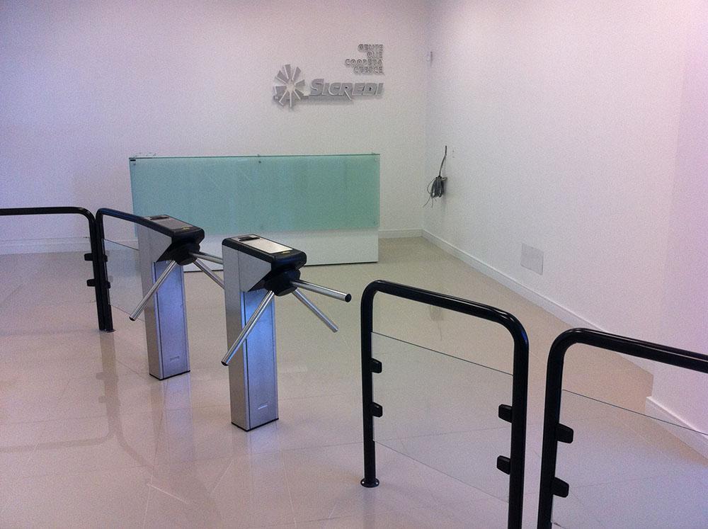 Sistemas de controle de acesso implantados pela Cruz Engenharia.